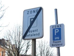 1 meter free parking