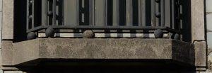 Balcony balls